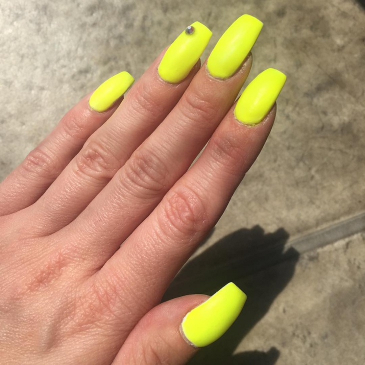 Neon Yellow Matte Nails - 38+ Matte Nail Art Designs, Ideas Design Trends - Premium PSD
