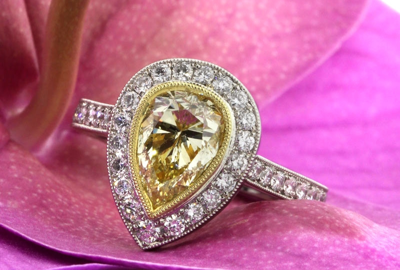 yellow pear shaped diamond ring1