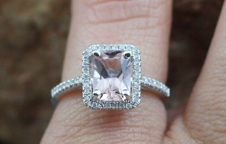 emerald cut diamond platinum ring