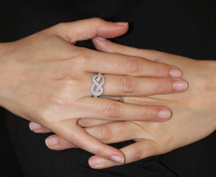 diamond infinity knot ring