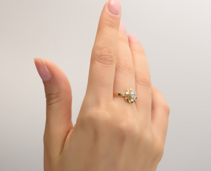gold flower diamond ring