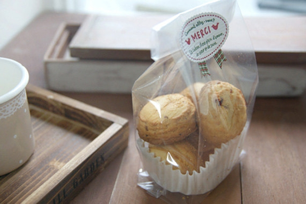plastic cookie packaging