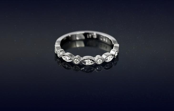 antique platinum wedding ring