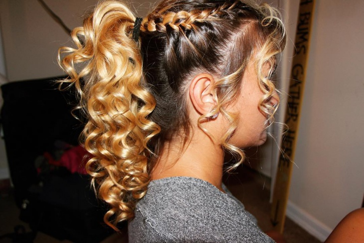 Curly Ponytail Prom Hairstyles