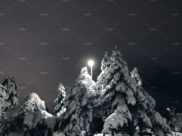 Snowy Night Photography Idea