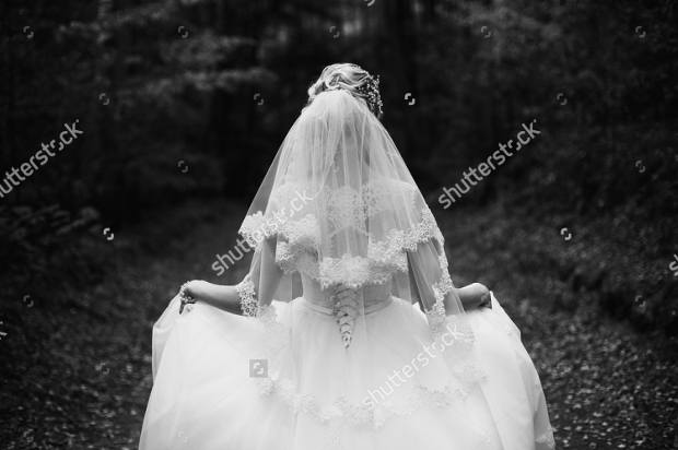 black-and-white-wedding-dress-photography