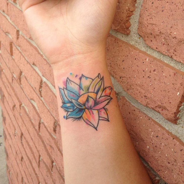 Small Flower Tattoos: 40+ Watercolor Tattoo Designs, Ideas
