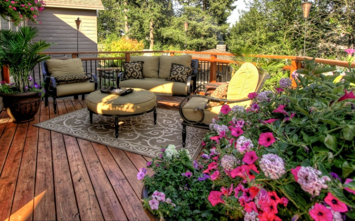 small outdoor deck furniture