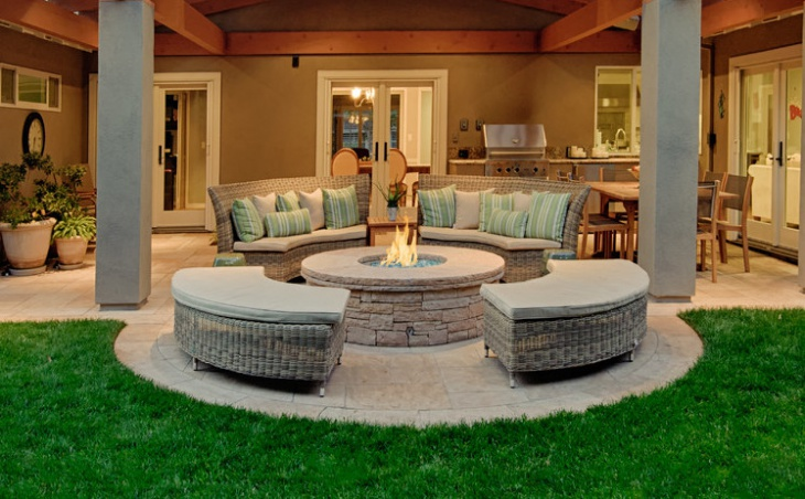 curved wicker outdoor furniture