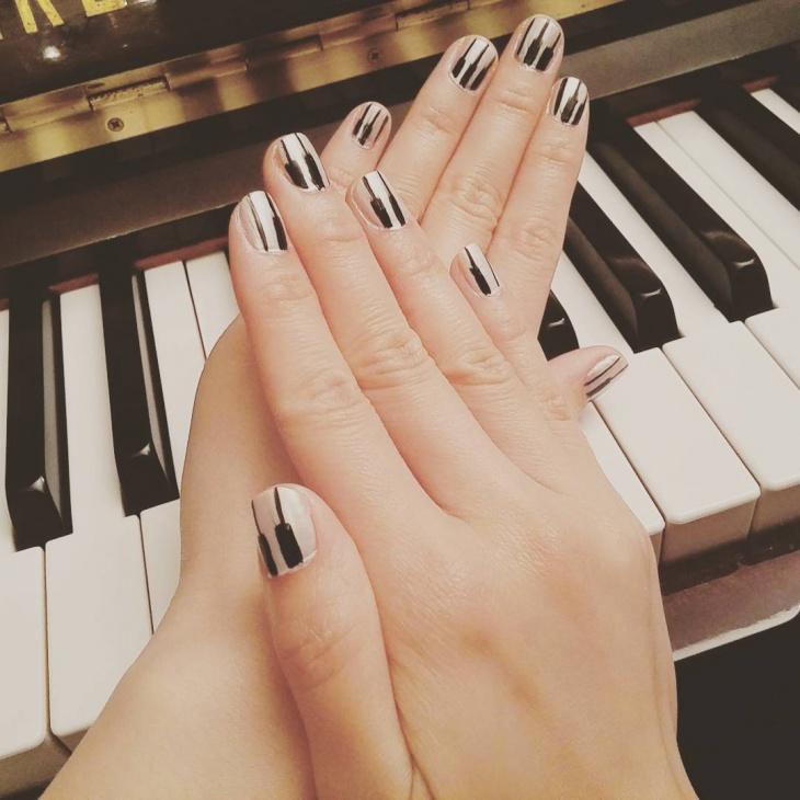 black painted nail art