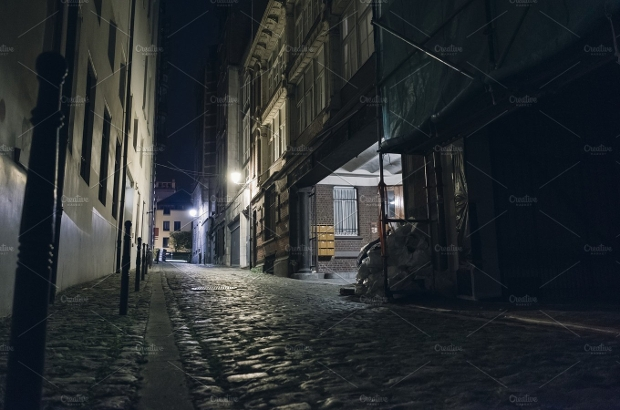 dark street photography