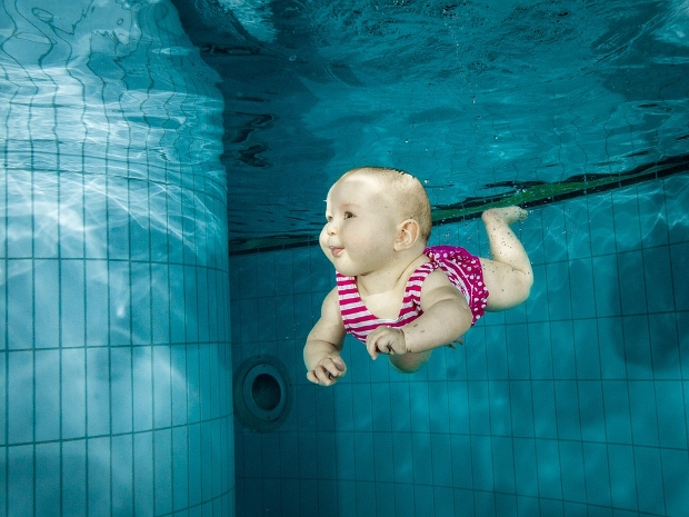 underwater baby photography