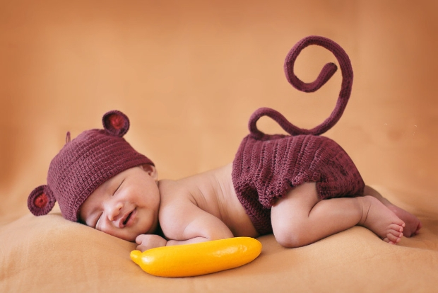 funny baby photography idea