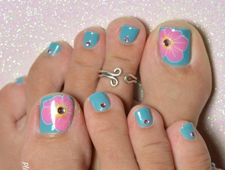 floral gel toe nail art design