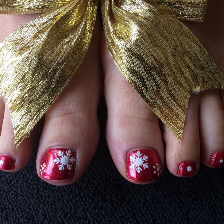 christmas snowflakes toe nail art
