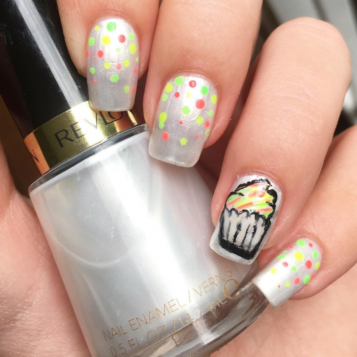 cupcake chistmas nail art for kids