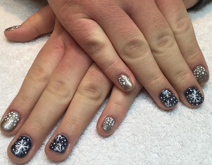 snowflake nail designs for short nails