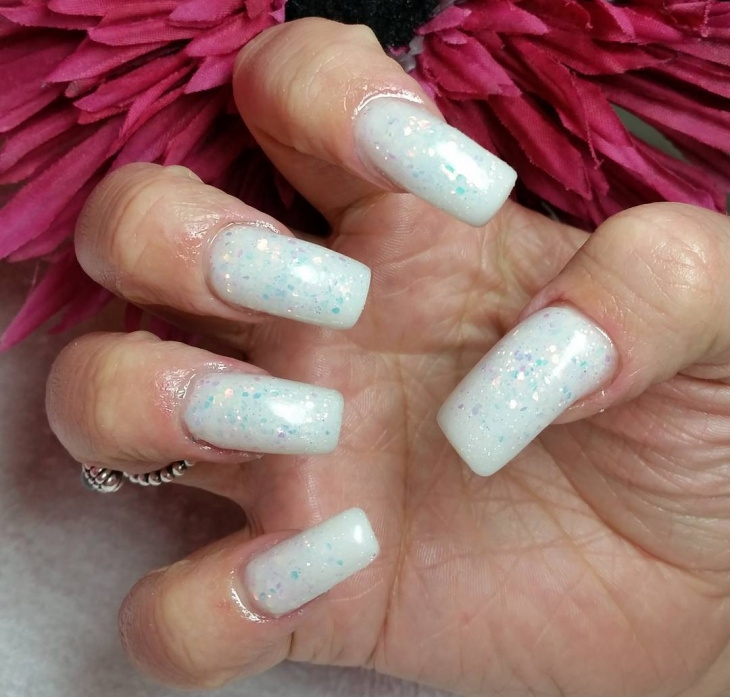 white glitter christmas nails1