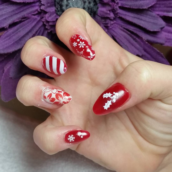 red and white christmas nail art