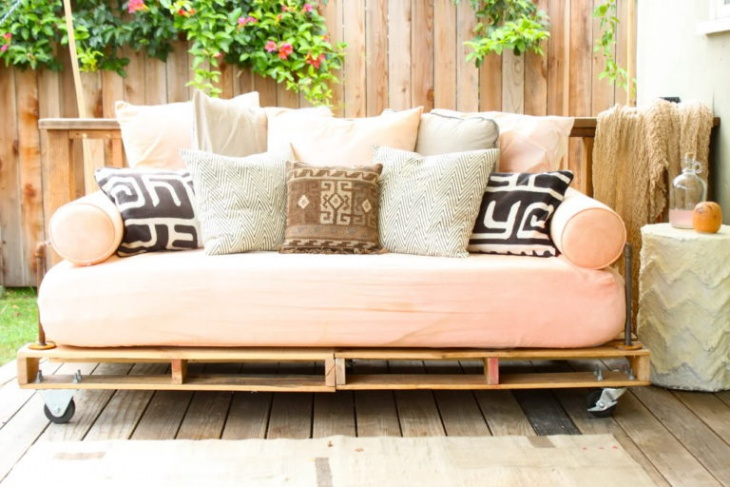 DIY Day Bed Design