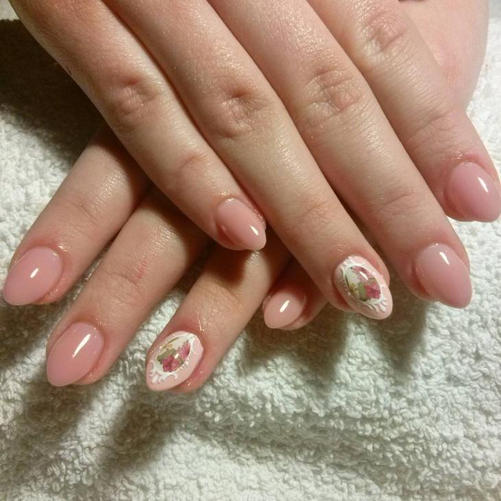 gel baroque nail art design