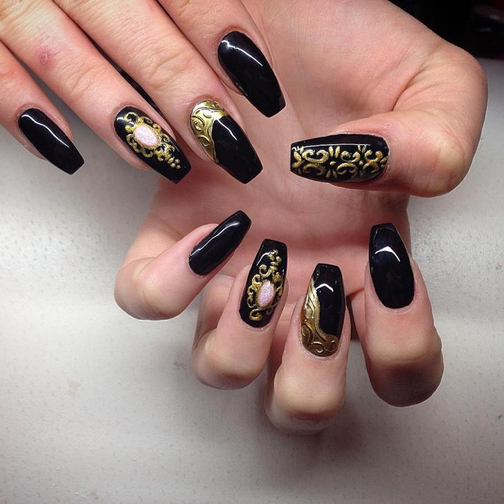 antique baroque nail art
