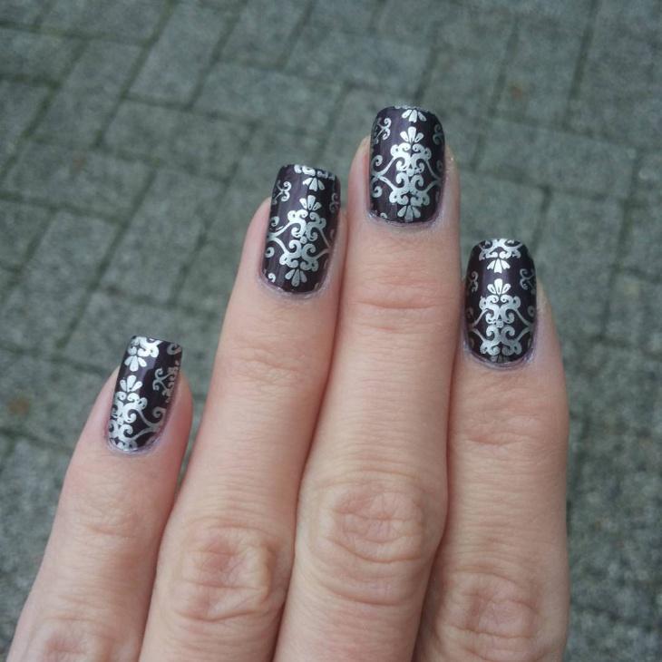 retro art baroque nails