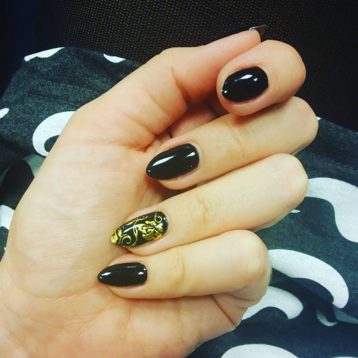 dark black nail art design