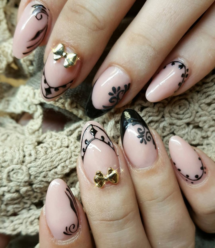 fancy baroque nail design
