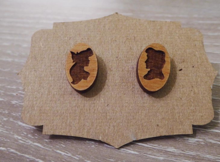 simple wooden earrings