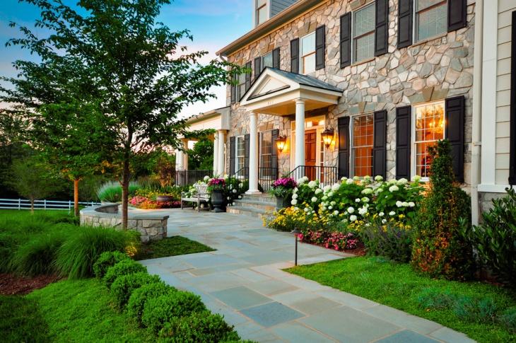 Traditional Courtyard Garden