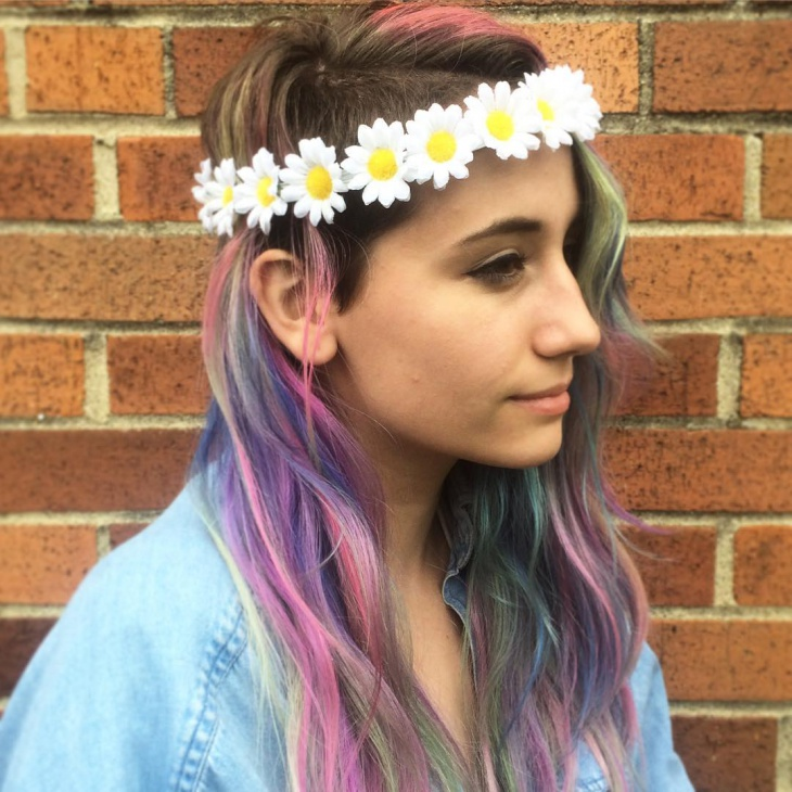 Beautiful Floral Headband Hairdo