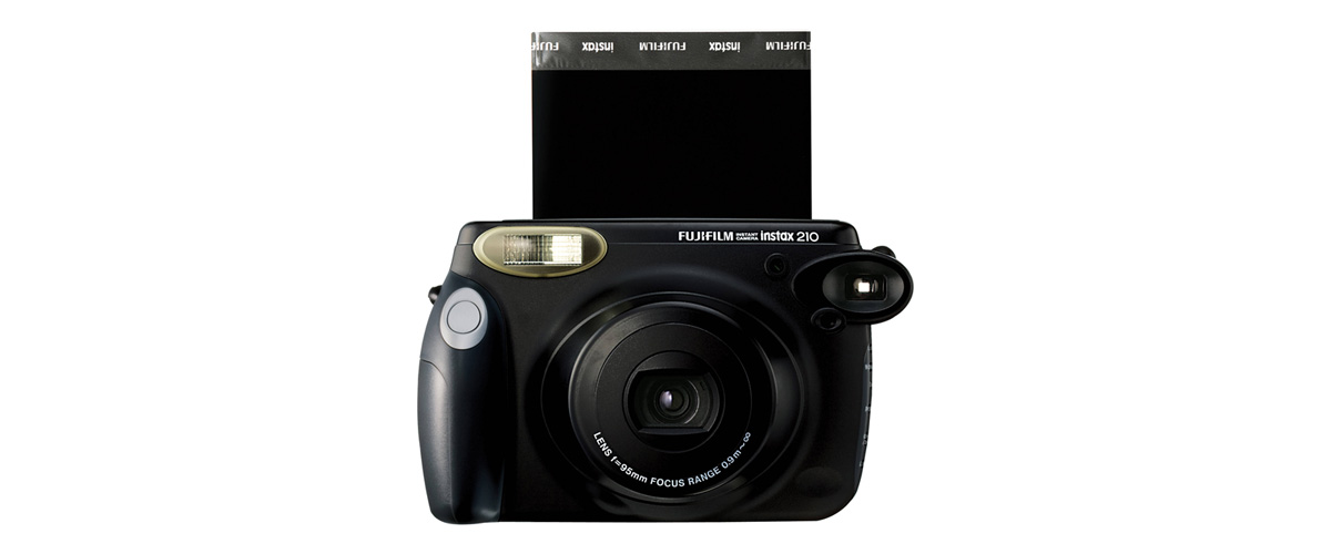 fujifilm-instax-210-instant-photo-camera