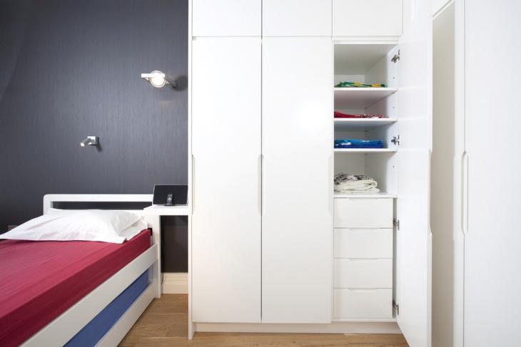 Small White Wardrobe Design