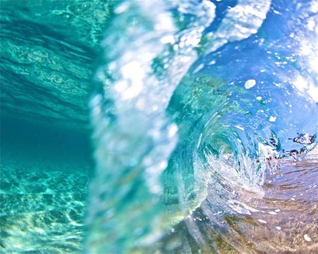 clear underwater wave photography