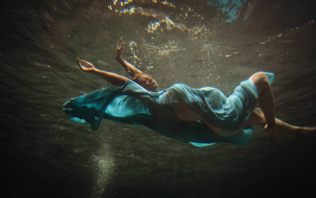 classic underwater maternity photography