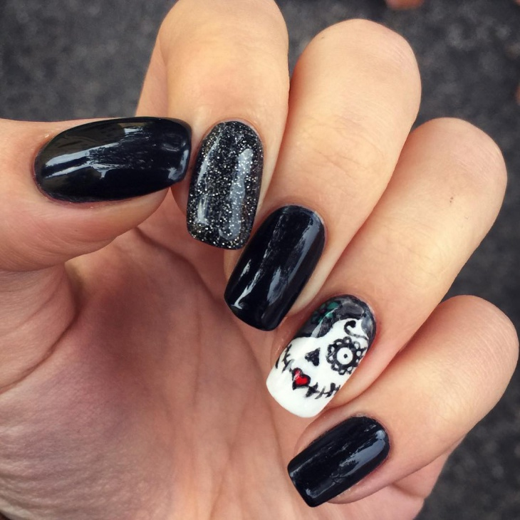 Black and White Sugar Skull Nails