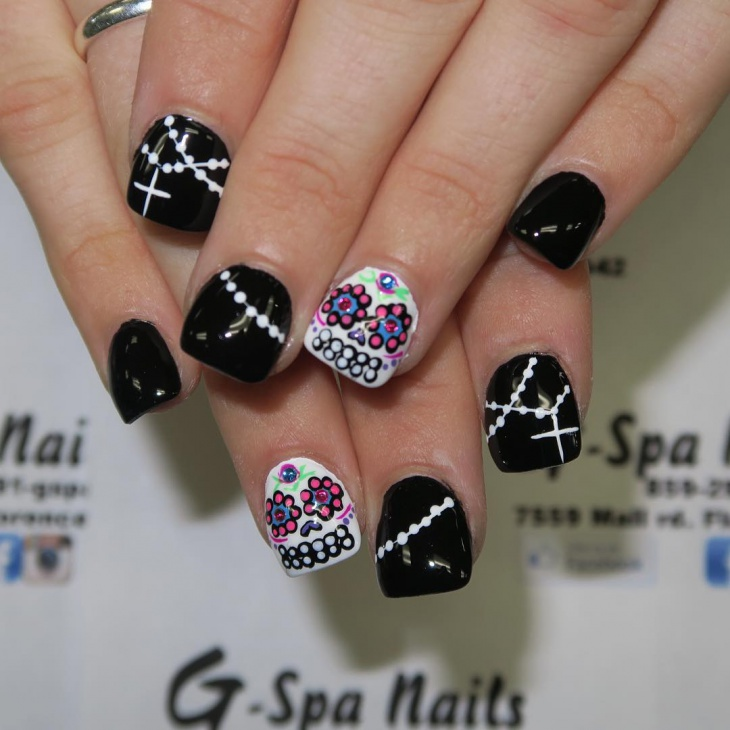 Sugar Skull Design For Short Nails