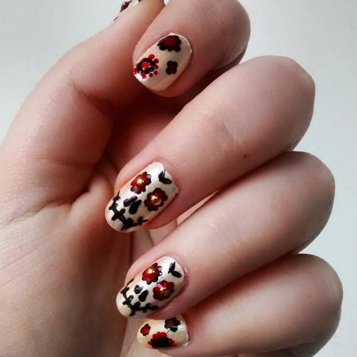 classy look sugar skull nail art