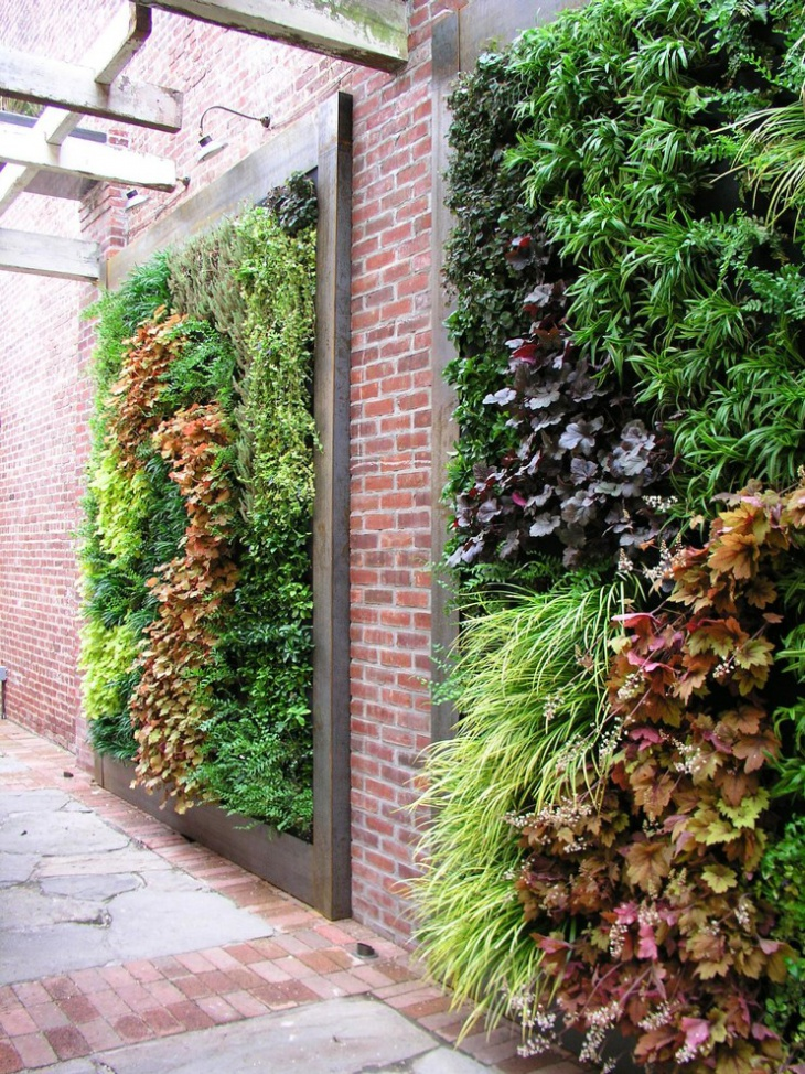 Natural Vertical Garden Design