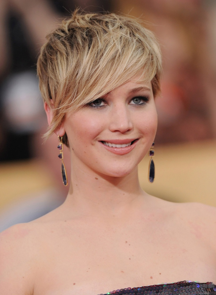 Jennifer Lawrence Angular Fringe for Round Face