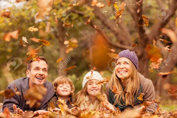 creative autumn family photography