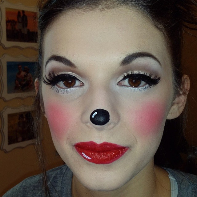 mickey mouse eye makeup design1