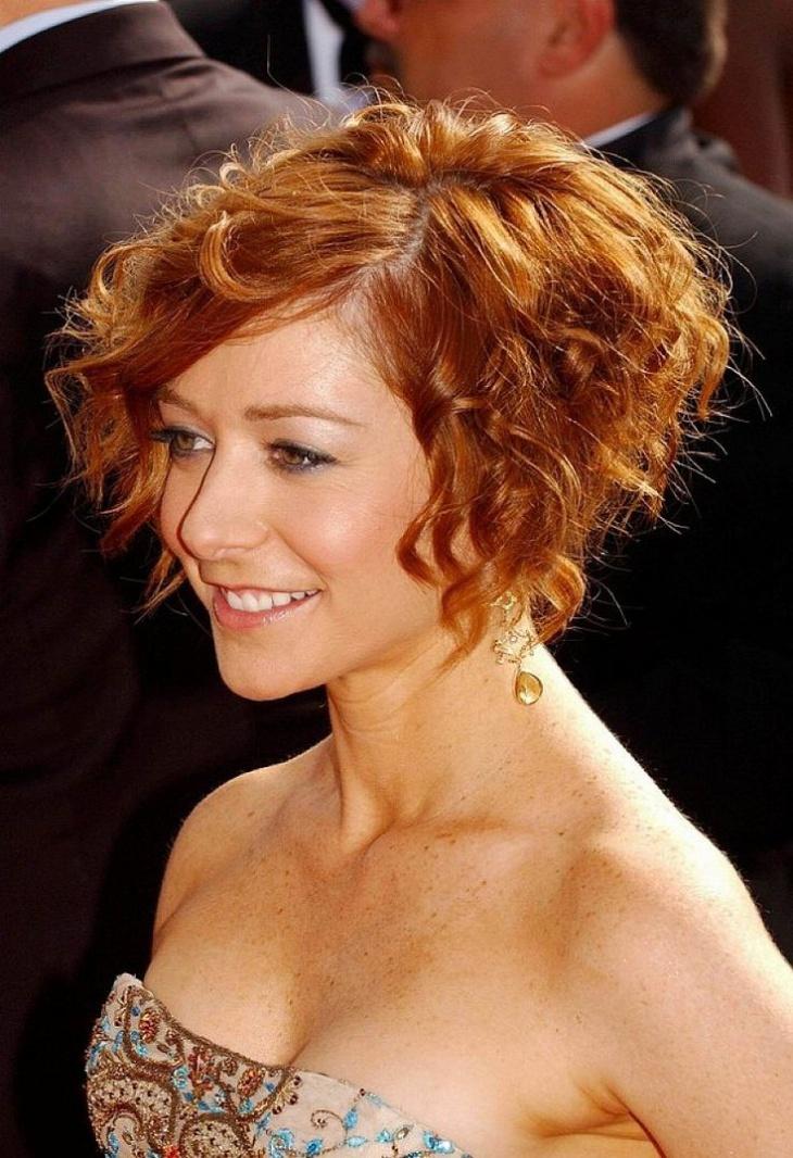 alyson hannigan short curly bob wedding hairstyle
