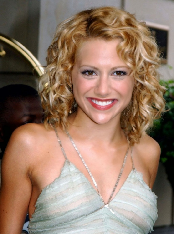 Brittany Murphy Short Curly wavy Prom Hairstyle