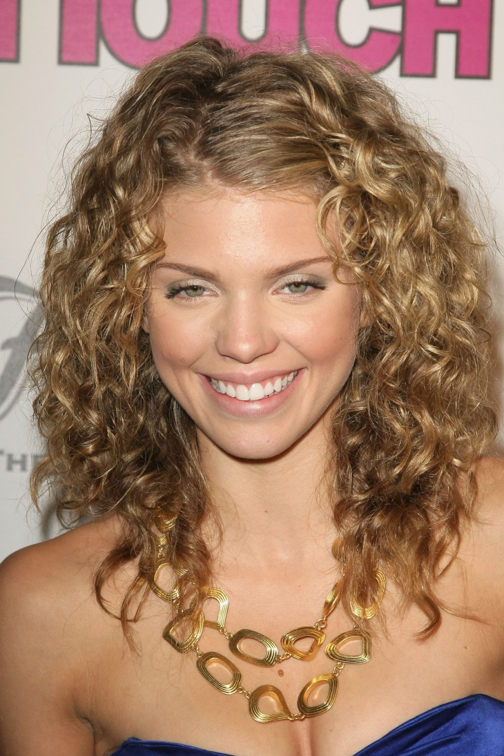 Annalynne Mccord Short Curly wavy Asymmetrical Hairstyle