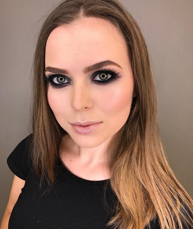 Black Smokey Eye Makeup