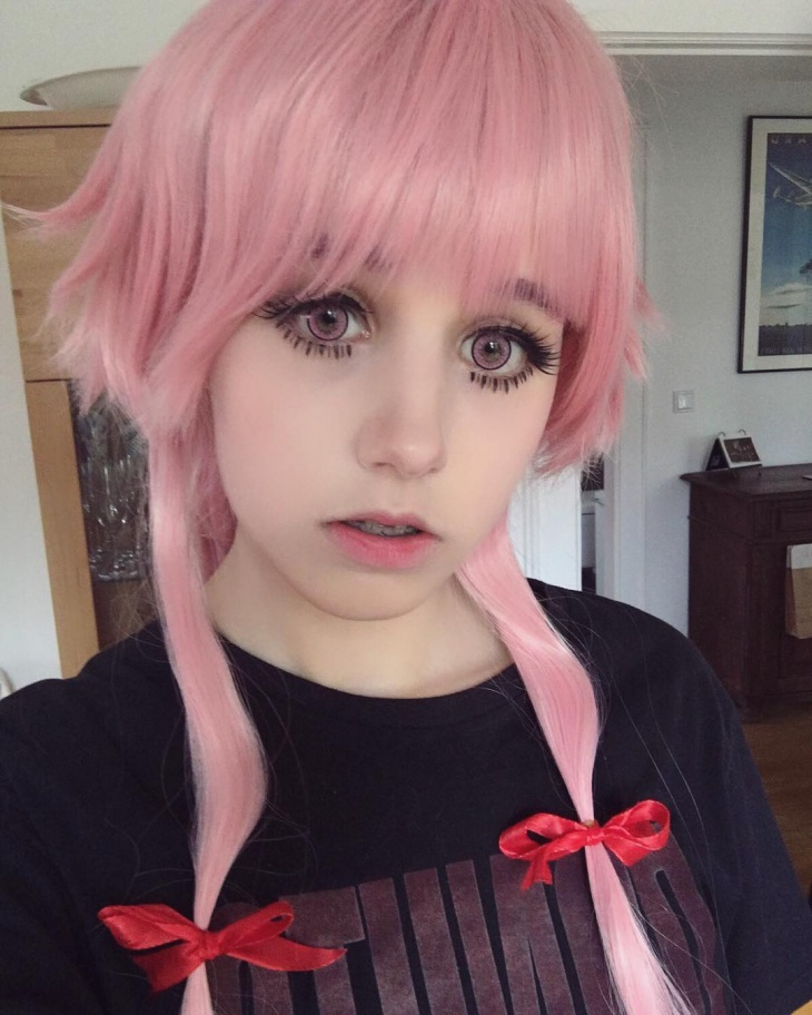 anime doll eye makeup