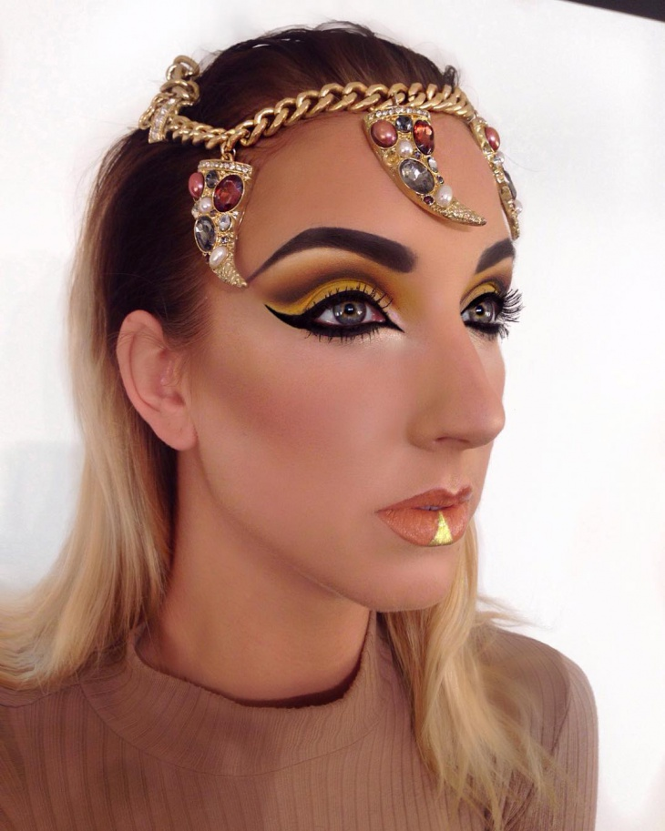cleopatra gold eye makeup design