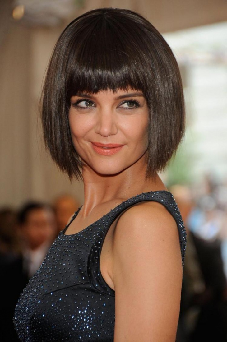 katie holmes short angled bob haircut with bangs1